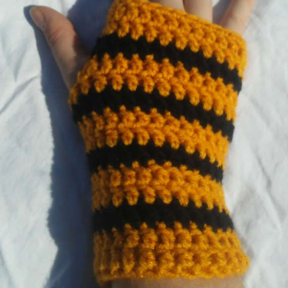Hogwarts Hufflepuff Colored Fingerless Gloves by SpookyStitchcraft