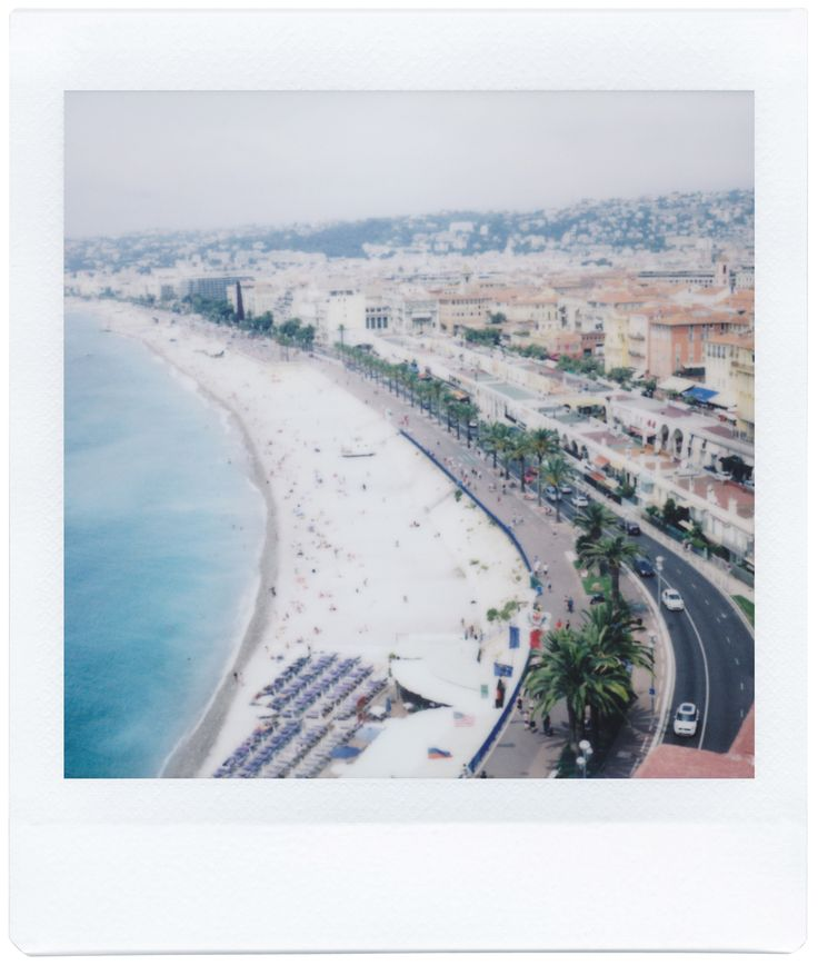 Give your creativity the edge! The Lomo'Instant Square is the first fully analogue camera to produce Instax Square pictures. Photo by Michal Dzujka