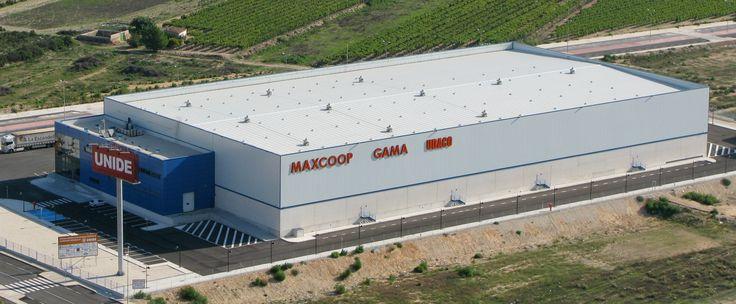 GRUPO UNIDE, S. Coop.: Empresa dedicada a la comercialización de alimentos. Para este cliente se han construido edificios en Salamanca, Monforte del Cid (Alicante), en Cáceres, Lanzarote, Tenerife y en Burgos, durante los años 2007, 2008, 2009 y 2010, haciendo un total aproximado de 22.000 m2. www.tekton.es/
