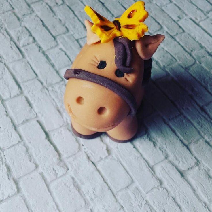 A cute little horse - Cake by ggr