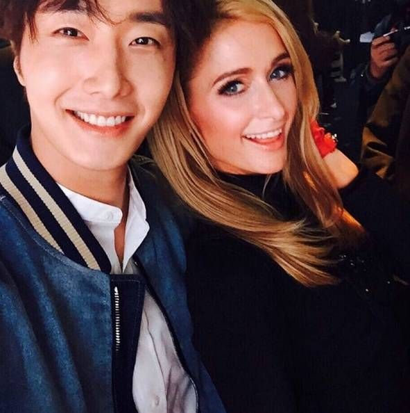 Actor Jung Il Woo gets up close and personal with Paris Hilton in Shanghai | http://www.allkpop.com/article/2015/10/actor-jung-il-woo-gets-up-close-and-personal-with-paris-hilton-in-shanghai