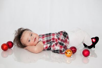 Baby Christmas Photography, Baby Poses, First Christmas Photos, Photography plexiglass, Jacquelyn Rose Photography www.jrosefoto.com
