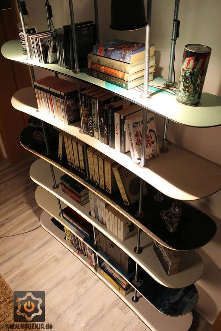 Upcycle   Recycle Old Snowboard To A Shelf