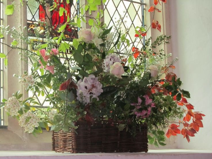 For Hire: Wicker Window Box. £5 each (7 available). Comes with plastic inlay. http://www.rosetintmywedding.co.uk/#!for-hire/c14d8