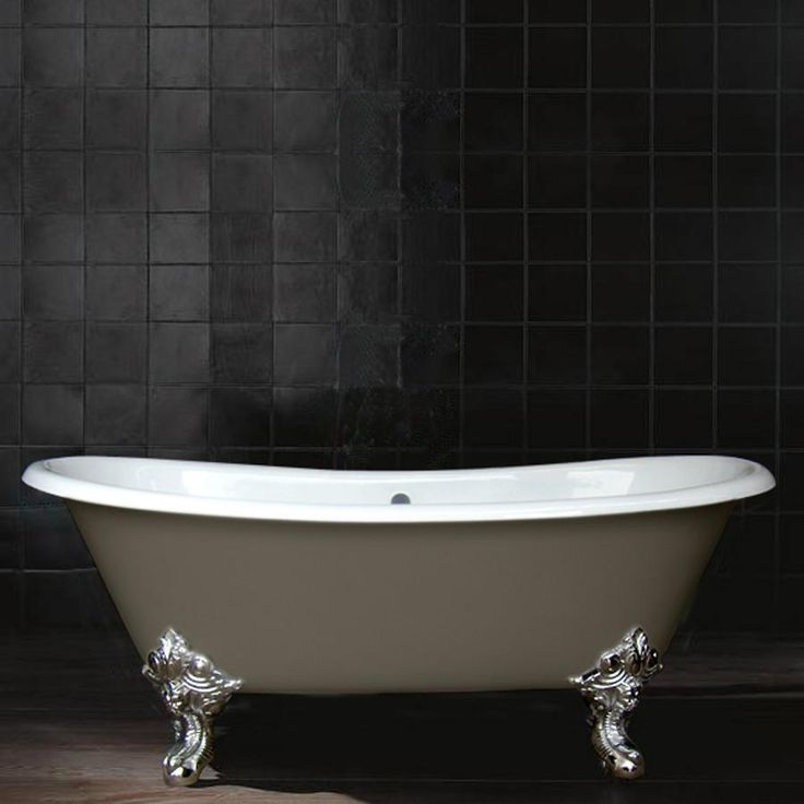 1000 id es propos de baignoire en fonte sur pinterest for Peinture pour baignoire fonte