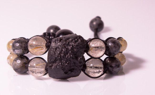 """Амулет """"Следующий виток"""" из натуральных камней - #тектита, #обсидиана, #лабрадора и #рутилового кварца."""