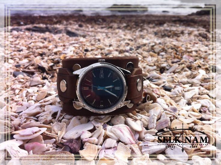 Clock completely handmade . Passion and dedication ♥ Selk'nam Handmade . https://www.facebook.com/pages/SelkNam-handmade/356445191174658?ref=hl