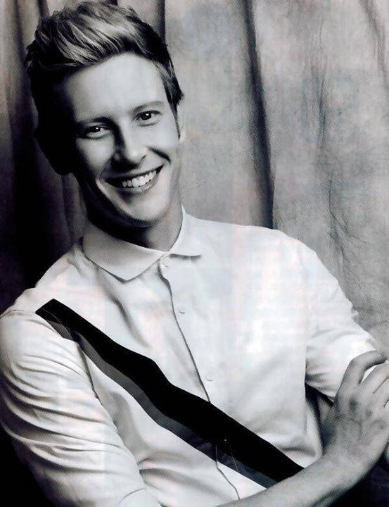 Gabriel Mann *-* I refuse to believe he is 41......