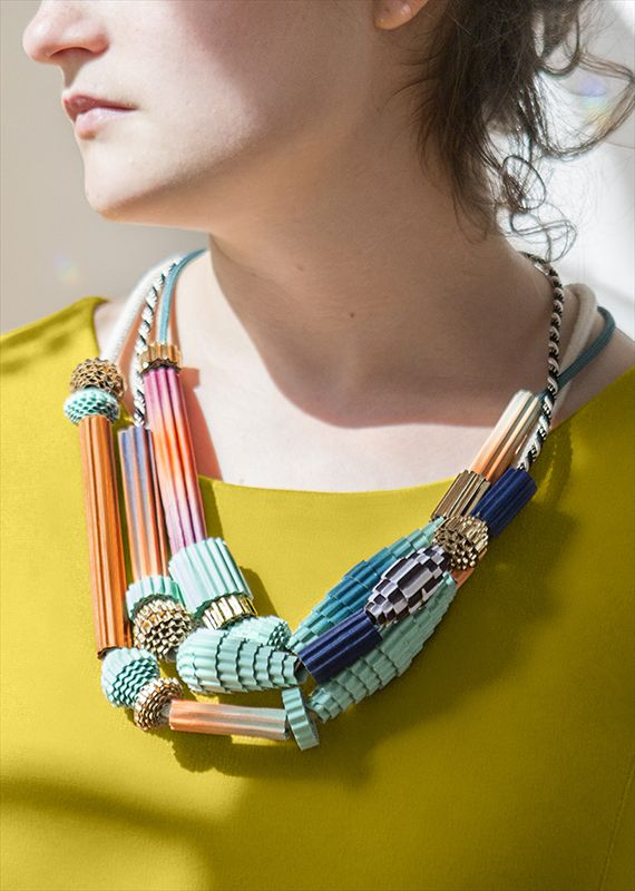 The most incredible paper bead DIY! Can't wait to make a necklace like this.