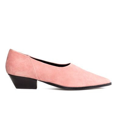 Light pink. PREMIUM QUALITY. Shoes with pointed toes. Leather lining and insoles. Rubber soles. Heel height 1 3/4 in.