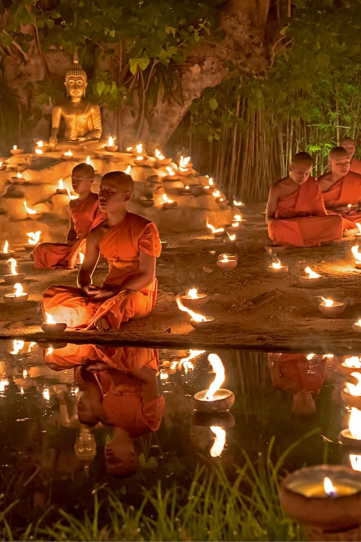 Buddhist Monks in Thailand! Click through to read 5 Reasons Why The World Is Obsessed With Thailand!