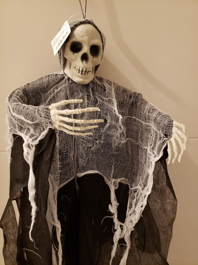 Halloween Props Hanging Skeleton Ghost Spooky Poseable Party Decorations