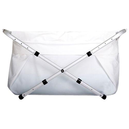 BiBaBath Flexi gjør det mulig for barnet å bade i dusjen! BiBaBad er et stort sammenleggbart badekar for ett eller flere barn. Badet er en smart og smidig løsning for barnefamilier som mangler badekar eller ønsker et godt alternativ til et klumpete badekar. Det består av en lett, rustfri og justerbar aluminiumsramme med en badepose. BiBaBadet er fleksibelt for å passe alle dusjer og kabinett. Eksempelvis Flexi 80-100, innebærer at du kan justere rammen slik at bademålet kan bli 80 til 100…