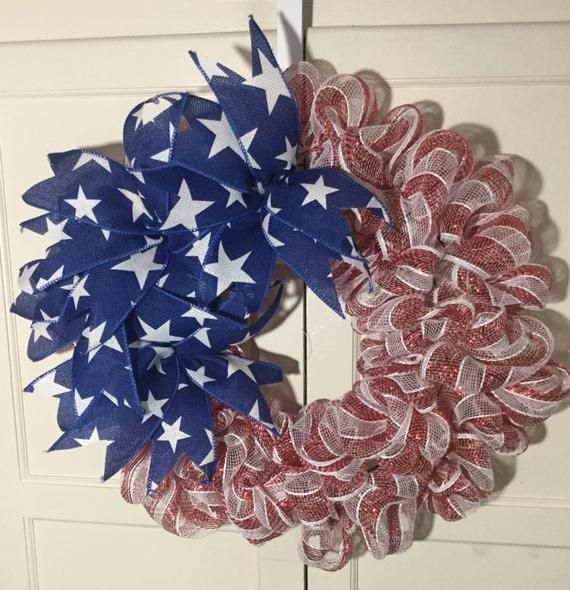 Patriotic Wreath Flag Wreath Flag Inspired Wreath Memorial Day Wreath Columbus Day Wreath In 2020 Memorial Day Wreaths Patriotic Wreath Wreaths