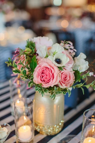 Gold Mason jar centerpiece with pink garden roses | http://beautiful-bridal.blogspot.com/2015/06/13-most-beautiful-mason-jar-centerpieces.html
