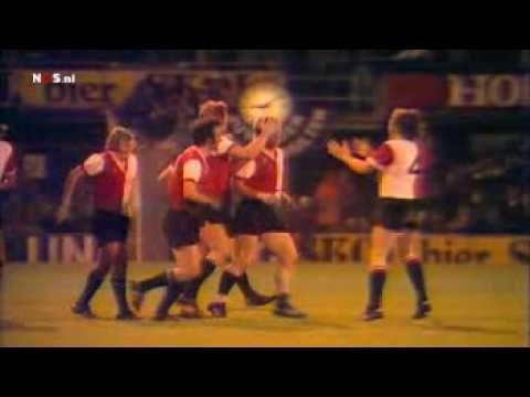 1974 | (21/29-05-74) Feyenoord - Tottenham Hotspur 2-2/2-0 (Winnaar UEFA...