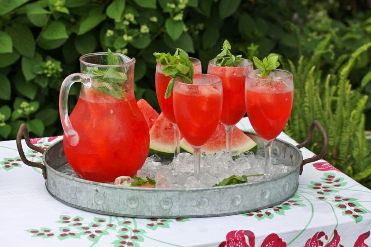 Rattlebridge Farm: Garden Week Wrap-Up with refreshing and Minty Watermelon Lemonade!