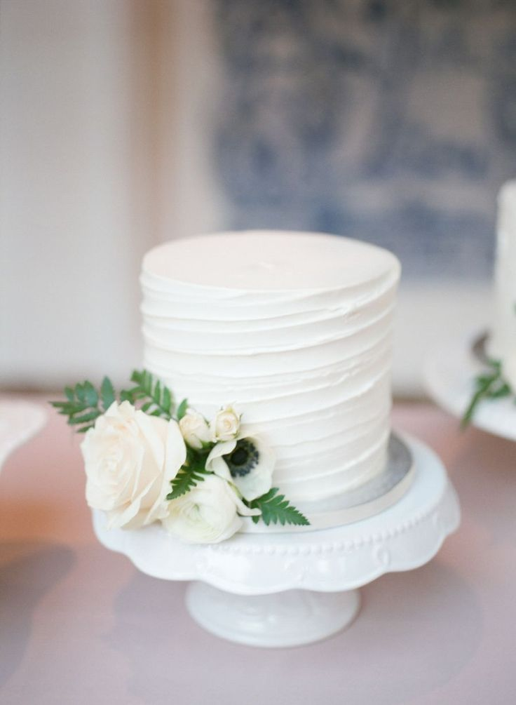 wedding cake small best 25 small wedding cakes ideas on wedding 24972
