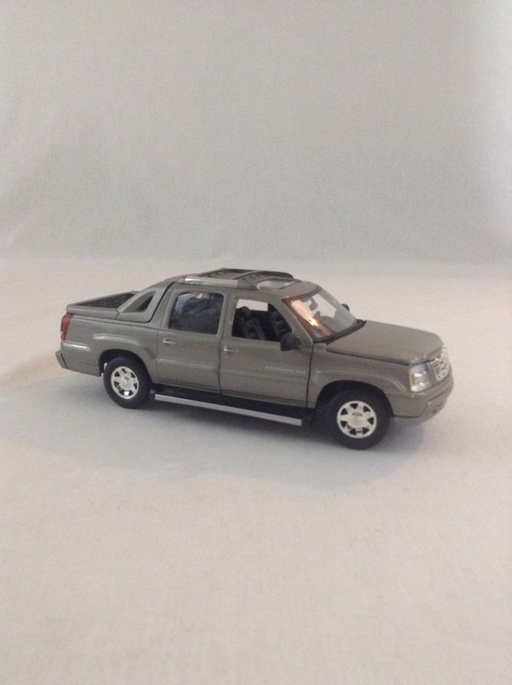 Anson 2002 Cadillac Escalade Extended Cab 1:18 Scale Gray Diecast Plastic Truck #Anson #Cadillac