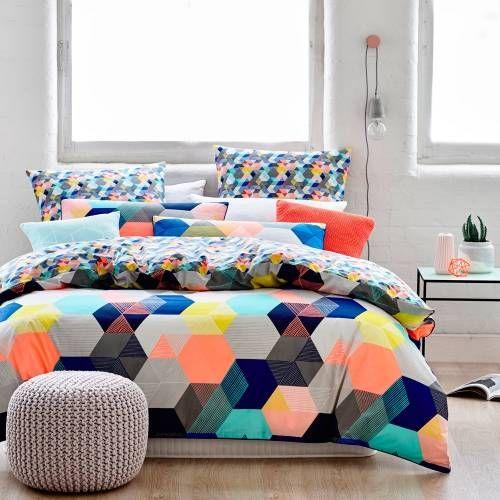 This is just the cutest citrus colouequilt !Hexx Neon quilt cover set, neon, geometric quilt cover