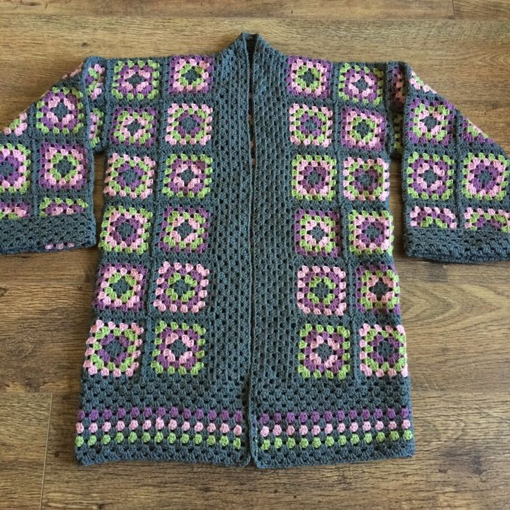 Free Crochet Granny Square Clothing Patterns : 25+ best ideas about Granny square poncho on Pinterest ...
