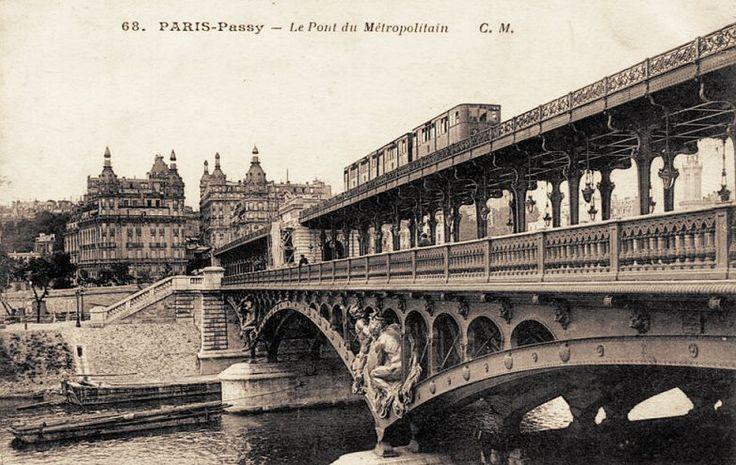 """Le """"Pont du Métropolitain"""" à Passy. Le pont de Bir-Hakeim, donc... (carte postale, vers 1900)"""
