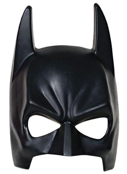 Maschere di supereroi fai da te per bambini grazie ad alcuni file PDF pronti da stampare, ritagliare e da usare a Carnevale, Halloween o in altre occasioni