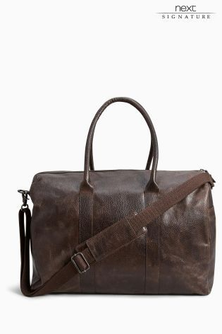 Planning a quick Easter getaway? Our brown signature leather holdall makes for a great weekend bag combining style with practicality.