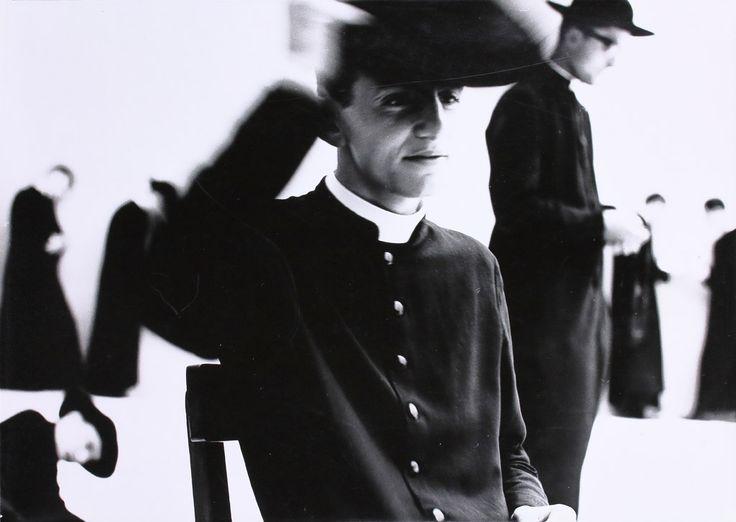 Mario Giacomelli (1925 - 2000), Io non ho mani che mi accarezzano il viso, 1962-1963, épreuve argentique, dépôt des Rencontres d'Arles, 2002 © Simone Giacomelli