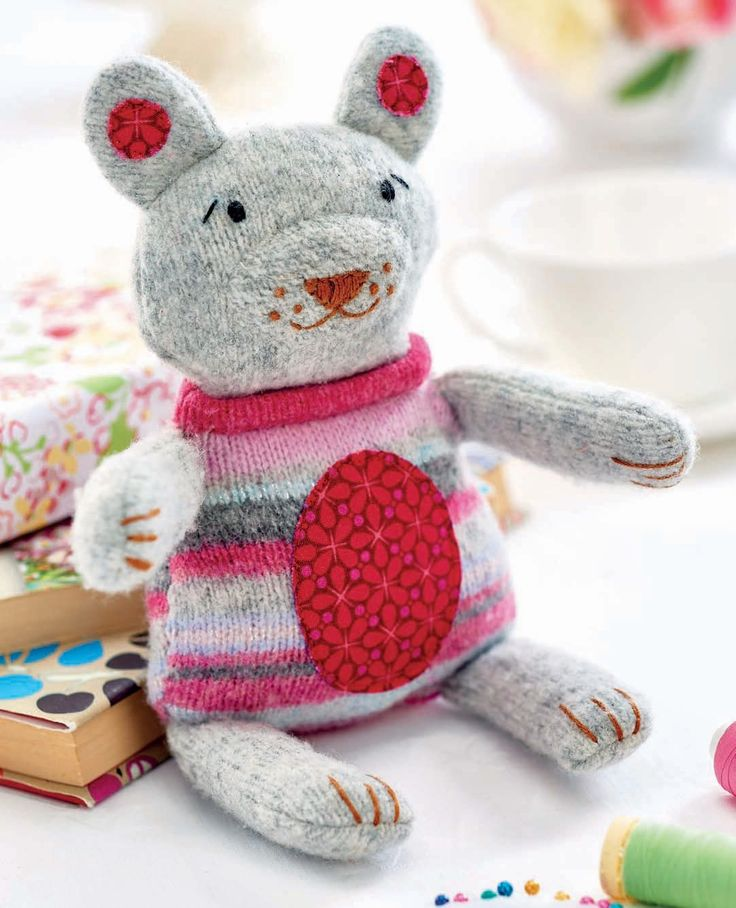 Stitch a cute teddy from old jumpers