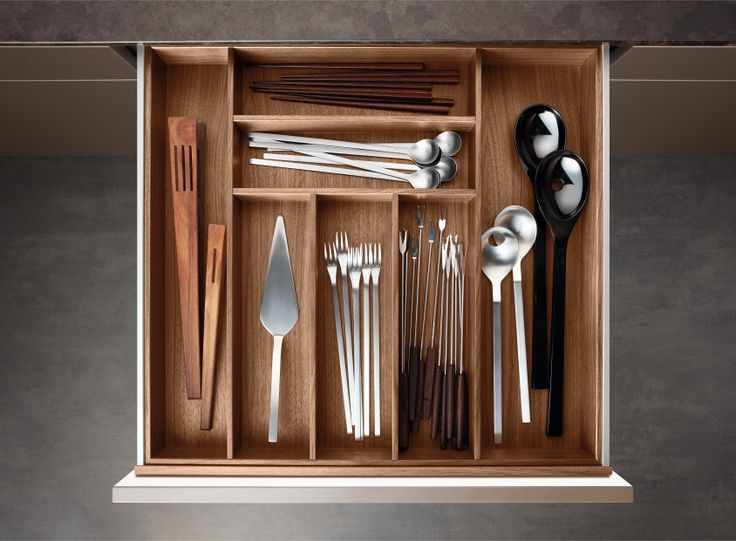 Poggenpohl Accessories - Drawer with cutlery inserts - nut tree