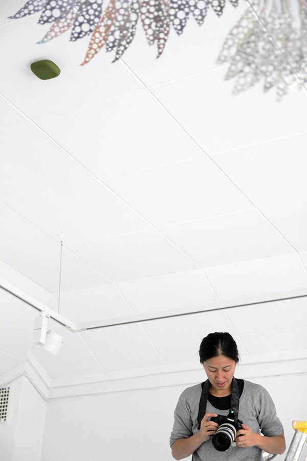 Behind the scenes photos of Kupu -smoke detector product photoshoot with photographer Chikako Harada.