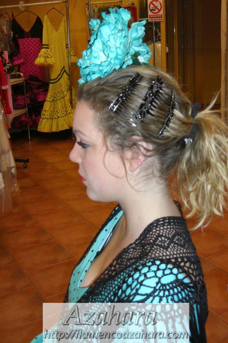 #Consejos para conseguir un #look #flamenco: #pendientes y #peinecillos.