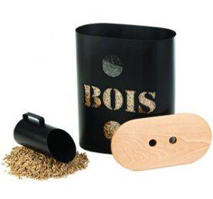 Si vous disposez d'un poêle à bois, découvrez notre sélection de paniers et rangements à granulés bois pour stocker vos granulés et pellets.