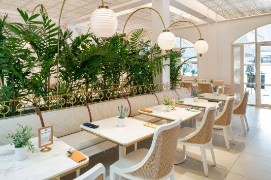 Batik Bali Restaurant and Bar design By ME and UMA architecture