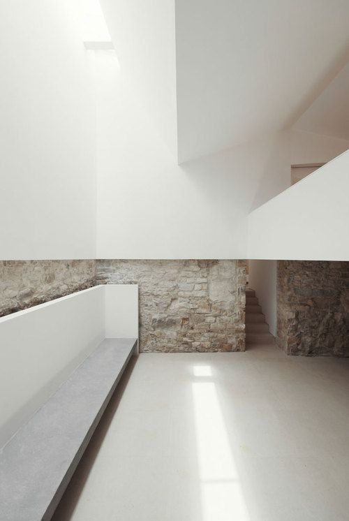 House in Serra de Janeanes | Portugal, 2013 | João Branco ,,.....<3<3<3 LOVE THE DIFFERENT TEXTURE /maybe for entrance and fire place wall................