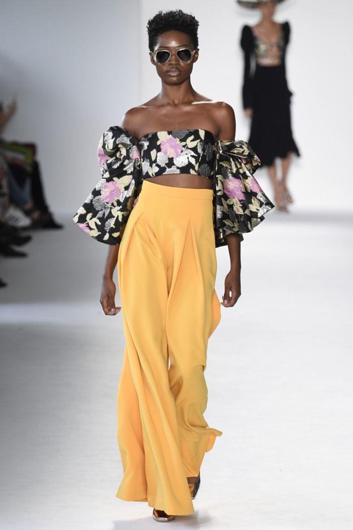 77b255a212dd Wide palazzo pants Spring Summer 2018 - Christian Siriano yellow pants