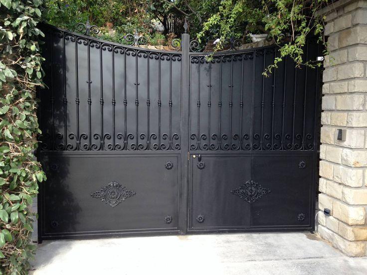 les 25 meilleures id es concernant portail fer forg sur pinterest salers porte fer forg et. Black Bedroom Furniture Sets. Home Design Ideas