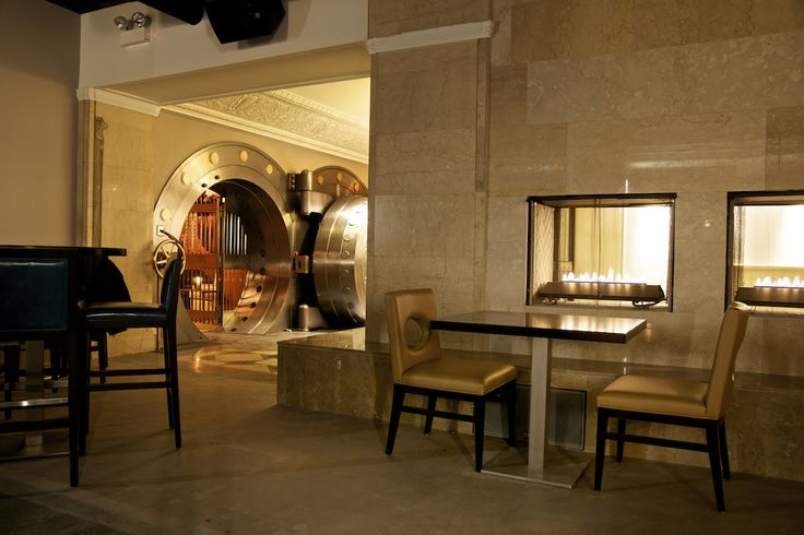 1926 Chicago bank converted into a bar and restaurant. Complete with lounge in the vault.