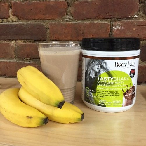 1 banana1 tbsp of peanut butter1 scoop of BodyLab TastyShake in Decadent Chocolate Fudge8 oz of almond milkIce