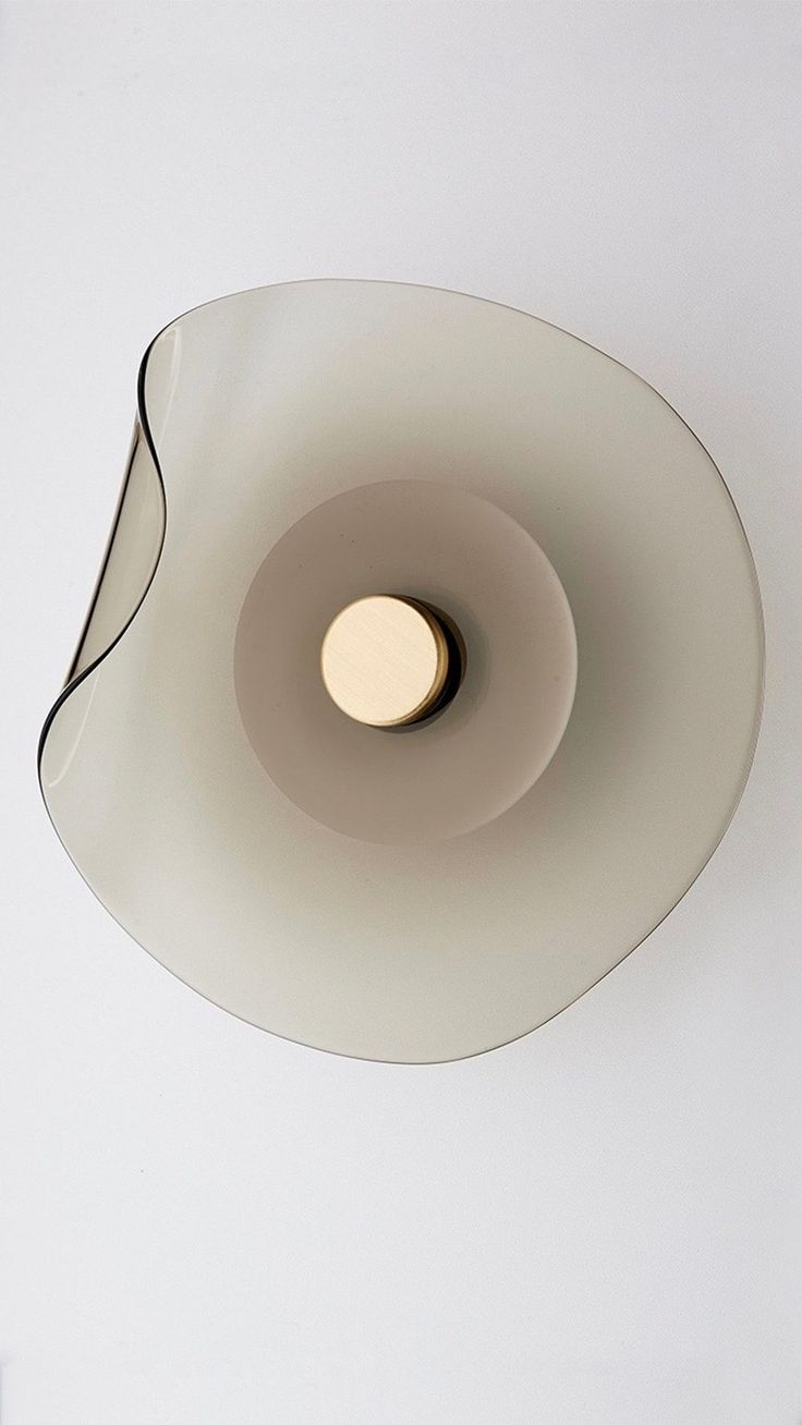 Australian-made, handcrafted timeless architectural lighting design. Articolo's founder and design director, Nicci, has over 25 years experience in the…