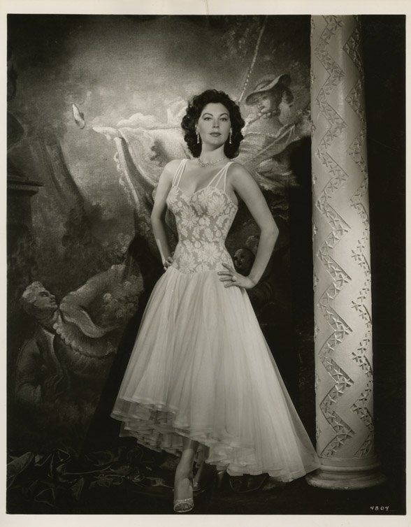 the barefoot contessa | 53: Ava Gardner photos from The Barefoot Contessahttp://sundaymorningmovie.blogspot.com/2014/05/rise-and-shine_31.html