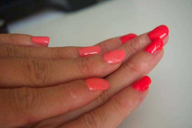Vernis semi-permanent - Faire ces ongles chez soi.