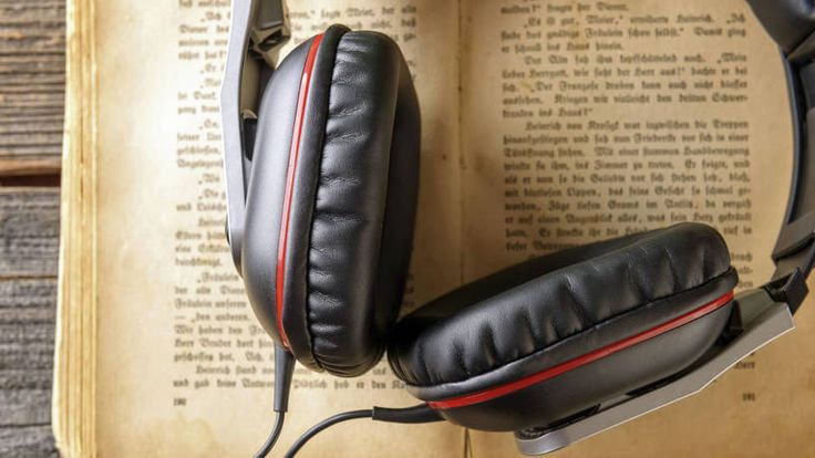 Why+Listening+to+Podcasts+Helps+Kids+Improve+Reading+Skills