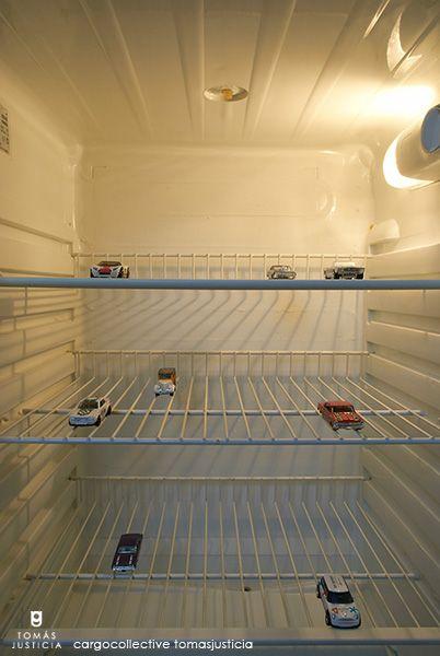 Frigorífico - parking / Fotografía / Dimensiones variables / 2013 Parking - refrigerator / Photography/Variable dimensions / 2013
