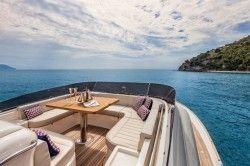 New 2013 - Mochi Craft Yachts - Dolphin 64'