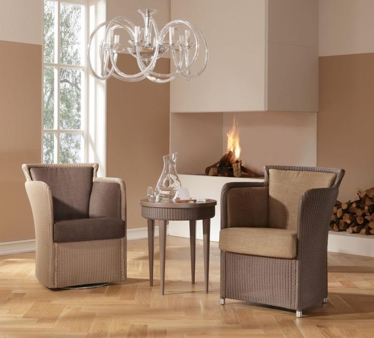 Drehsessel GIPSY TWIST und Sessel GIPSY mit Beistelltisch ARTE 02