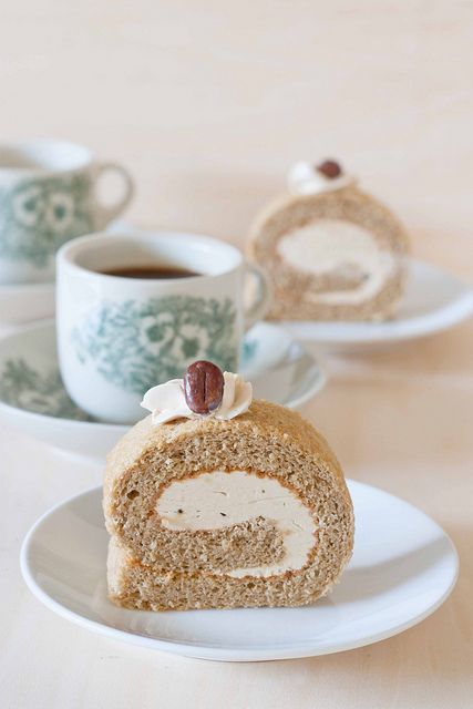 I love Swiss Roll...very happy childhood special-tea memories...and I love coffee flavored anything, so this Coffee Swiss Roll is basically heaven