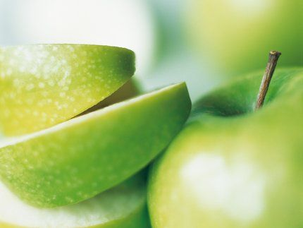Appel Smoothie :• 1 appel geschild en in stukken gesneden • 1 banaan • 1/2 kop sinaasappelsap  • 1/4 kop magere melk.