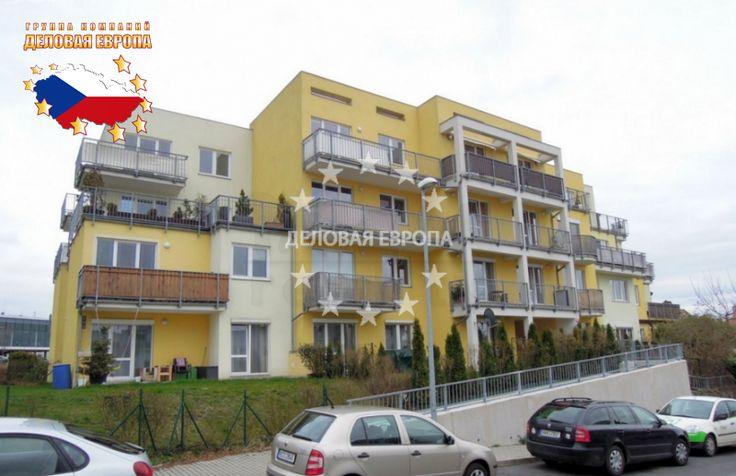 Квартиры / 3-комн. / 3+КК, Прага, Kakosova, 218 500 € http://portal-eu.ru/kvartiry/3-komn/3+kk/realty119/  Продажа квартиры 3+КК, 119 кв.м., Прага 5 – Řeporyje.Предлагаем на продажу просторную квартиру планировки 3+КК, площадью 119 кв.м., расположенную на 4 этаже четырехэтажного, нового кирпичного дома 2008 года постройки. Жилая площадь квартиры составляет 76 кв.м., квартира имеет 2 большие террасы площадью 43 кв.м. Ванная комната с ванной, туалет отдельный, на полах в ванной и туалете…